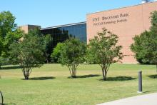 Image of the Discovery Park building